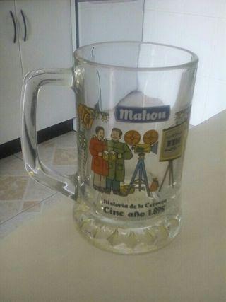 jarra de cerveza de cristal. 2euros