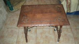 Mesa castellana antigua. s. XIX