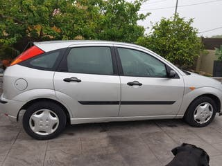 Ford Focus trend. 1.6 2003
