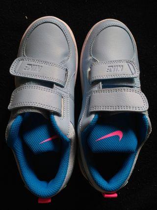 Zapatillas Nike NUEVAS de PIEL número 31