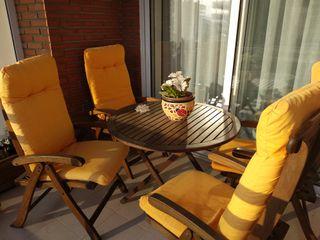 conjunto mesa y 4 sillas teca