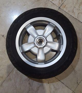 rueda vespa LX primavera 125