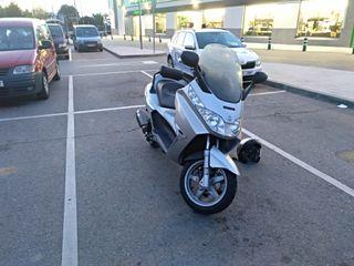 Moto Piaggio x8 125cc3