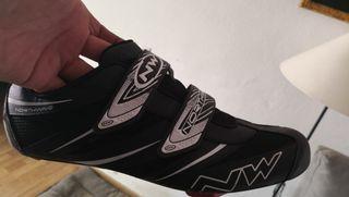 zapatillas ciclismo con calas tipo Neo talla 46/47