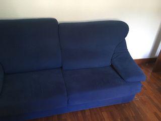 Sofa de tres plazas azul
