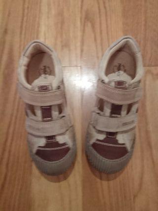 zapatillas sin estrenar talla 34