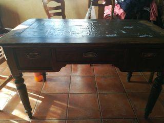 mesa de estudio antigua