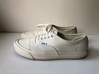 Vans Authentic crema