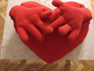 cojin con forma de corazón