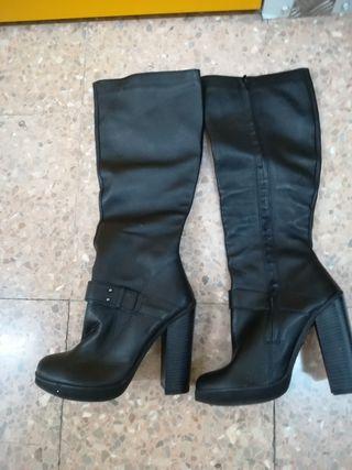 botas altas nuevas de piel n*38