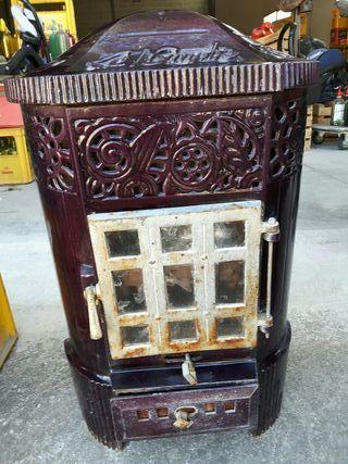 antigua estufa de leñs en hierro fundido esmalt