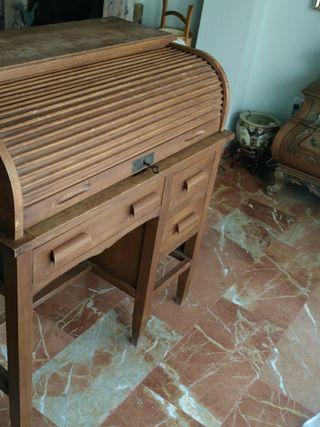 mueble buró con persiana