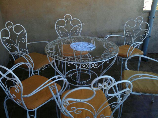 Mesa y sillas de jardin en hierro forjado de segunda mano for Mesas y sillas de jardin segunda mano