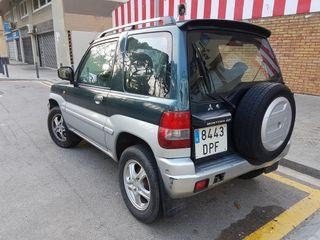 Mitsubishi Montero IO 2005