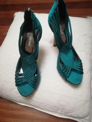 sandalias verdes nuevas