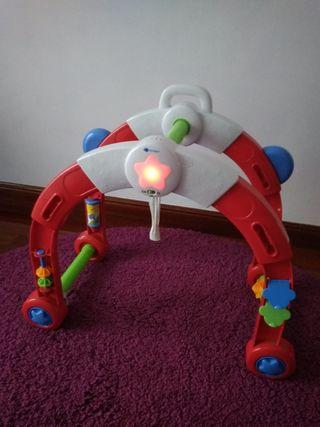 umetxoentzako jostailua/ puente de actividades beb