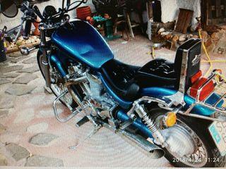 moto Suzuki intruder 600cc.