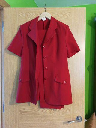 conjunto pantalón y chaqueta mujer firma De Carlos