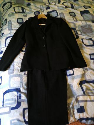 traje chaqueta y pantalón talla 40