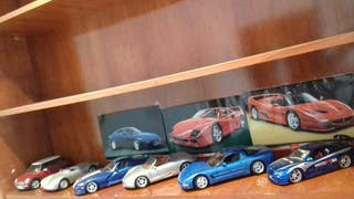 6 coches a escala
