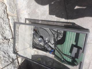 Tortuguero con calentador y bomba de movimiento