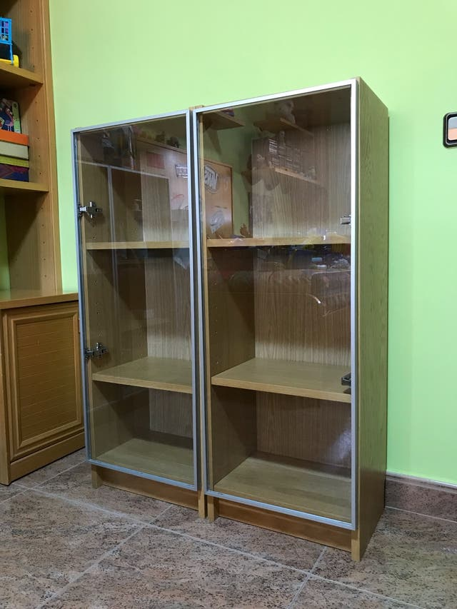 Libreria Ikea Billy Roble Con Puerta Cristal De Segunda Mano Por 30