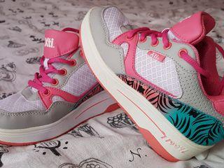 Zapatillas con ruedines xti kids niña 34