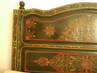 Elegante cabecero de cama,artesanía marroquí.