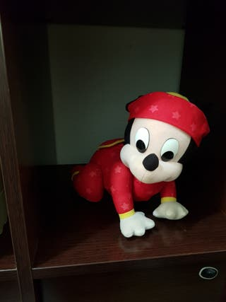 Micky de disney muñeco gateo
