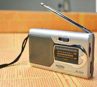 Mini Radio Portátil FM/AM A ESTRENAR
