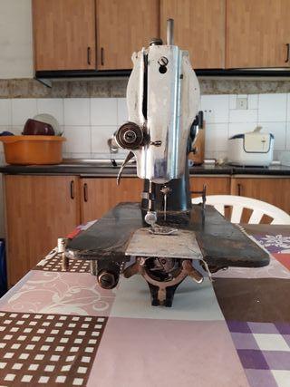 maquina de coser vintage Alfa