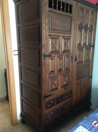 Dormitorio antiguo madera maciza