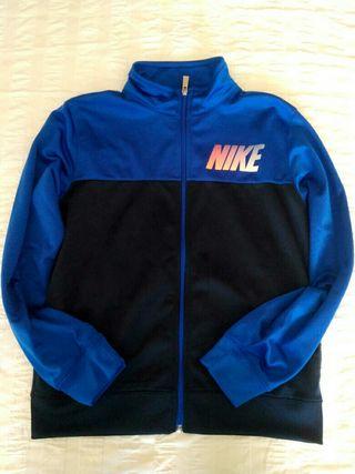 Chandal Nike niño de segunda mano en Barcelona en WALLAPOP 4dd6eda99b5
