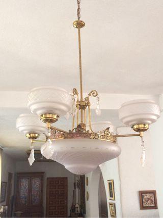 Lampara muy antigua de bronce y cristal tallado