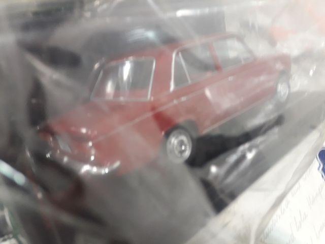 coche a escala Seat 124