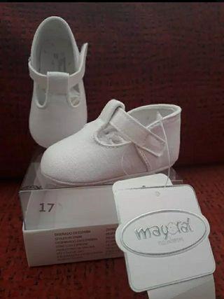 """Zapatos bebe """"MAYORAL"""" NUEVOS"""