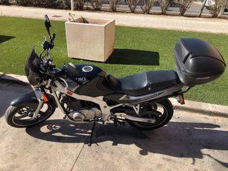 Moto Suzuki GS500E
