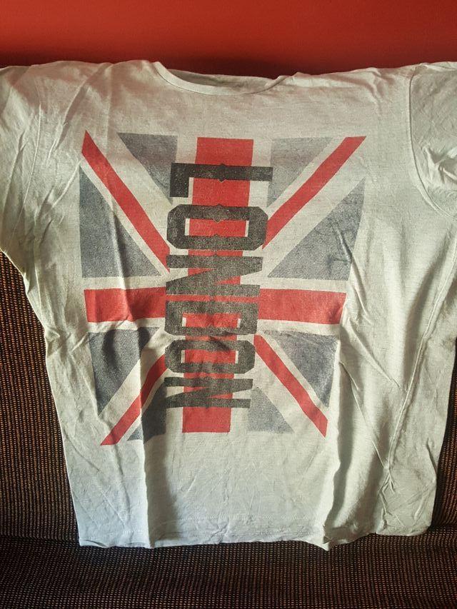 camiseta niño talla M