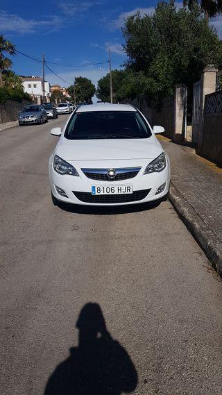 Opel ASTRA 1700 TDI TOURING 2012