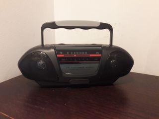 Radio pequeña a pilas
