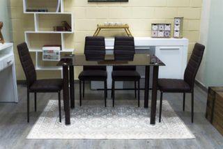 LIQUIDACIÓN Mesa de comedor con sillas incluidas