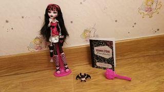 Draculaura, Monster High