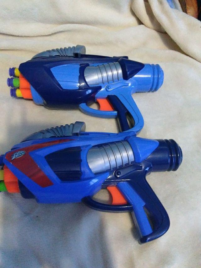 pistolas con balas de plástico