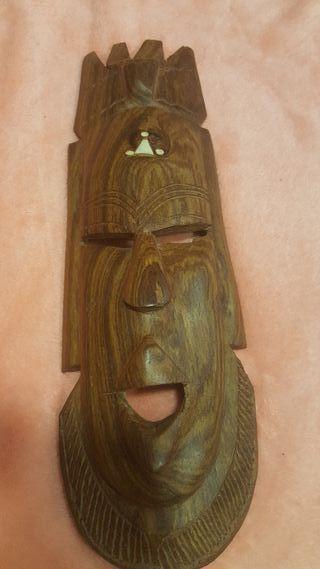 Mascara africano con Incrustaciones de Marfil