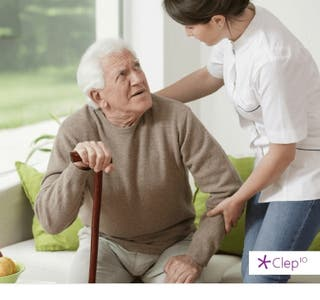 se ofrece trabajo al cuidado de persona mayor