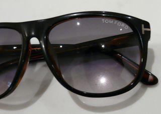 Solaire noires Tom FORD modèle OLIVER TF236 05B