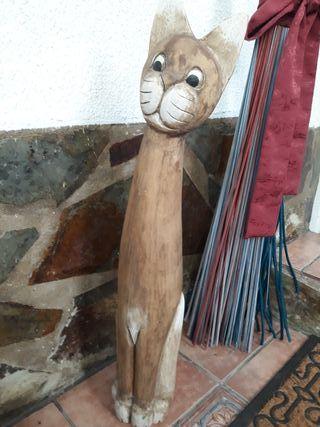 Figura en madera
