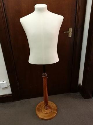 Bust / torso mannequin