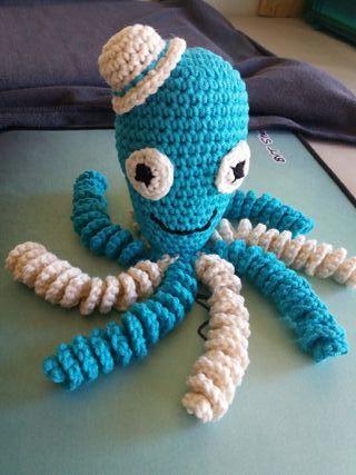 Muñeco pulpo crochet.
