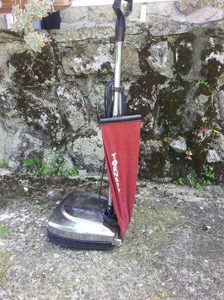 Abrillantador/aspirador de suelos